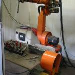 Studio, fornitura e installazione di isole robotizzate realizzate in base a specifiche concordate con il cliente.